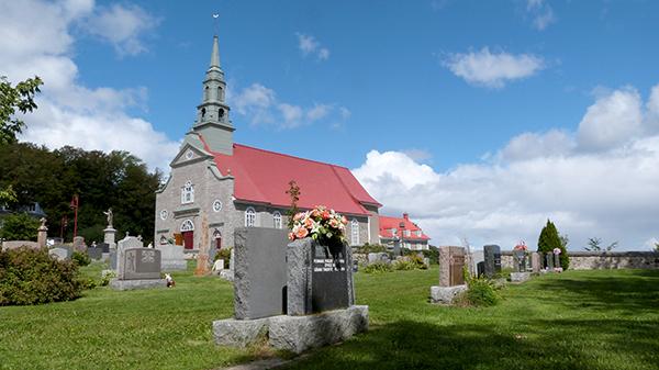 Le village de Saint-Jean de l'Île d'Orléans et sa petite église pleine de charme