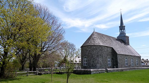L'église Saint-Pierre de l'Île d'Orléans, considérée comme la plus ancienne église du Québec