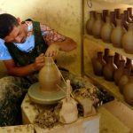 Vase in process sur le tour d'un potier à la Serra da Capivara ©Felipe Mendes